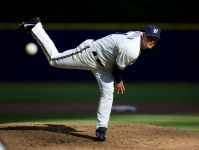 Trevor Hoffman pitches