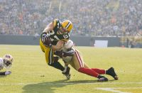 Jordy Nelson dives for the endzone